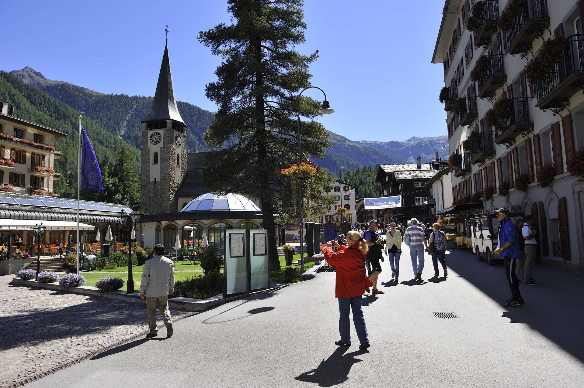 Glacier Express: Zermatt