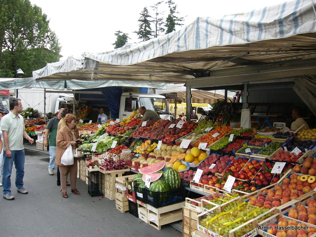 Cannobio Marktstände