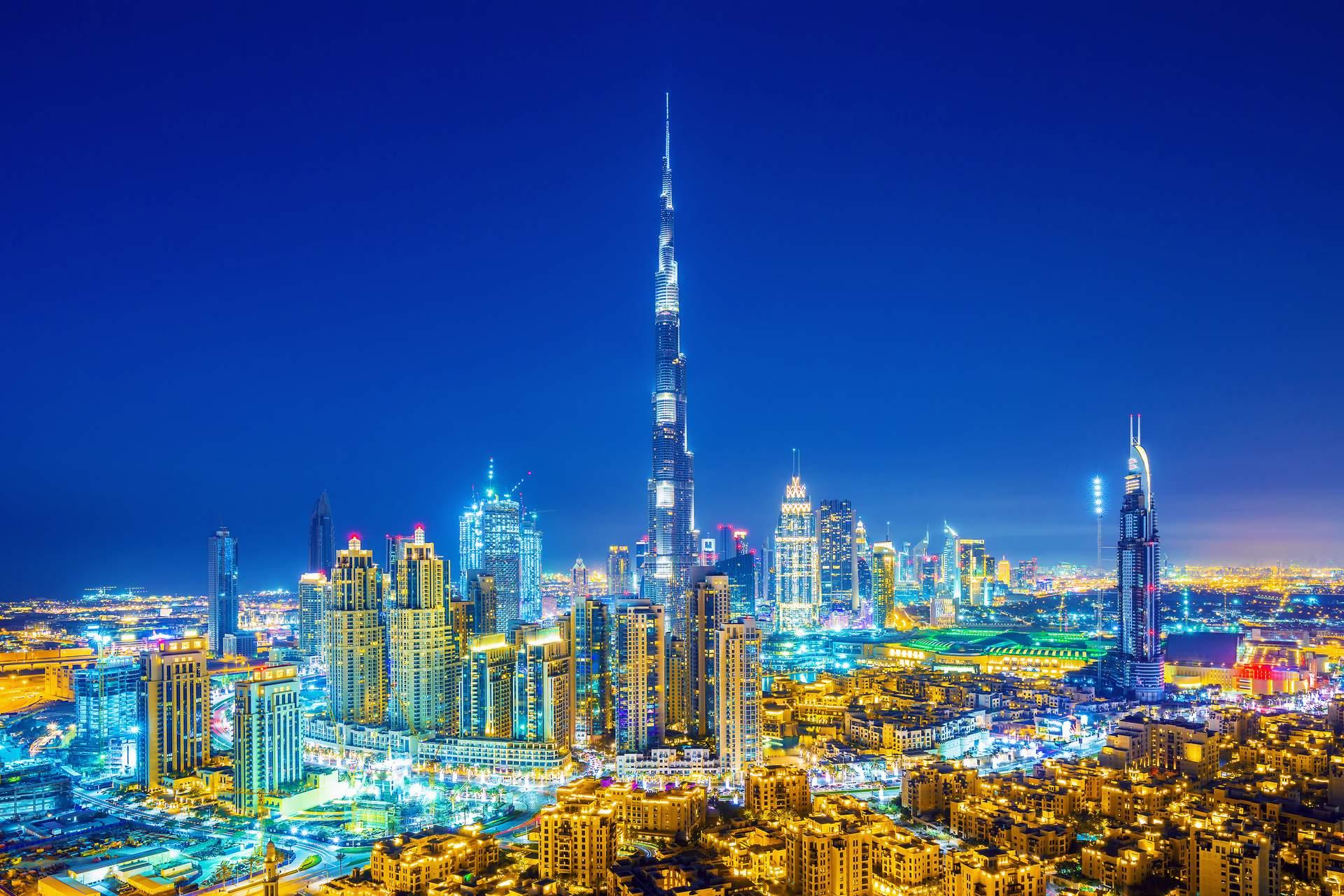 Dubai: Die Skyline von Dubai mit dem Burj Khalifa  ©Rastislav Sedlak SK - stock.adobe.com, GLOBALIS